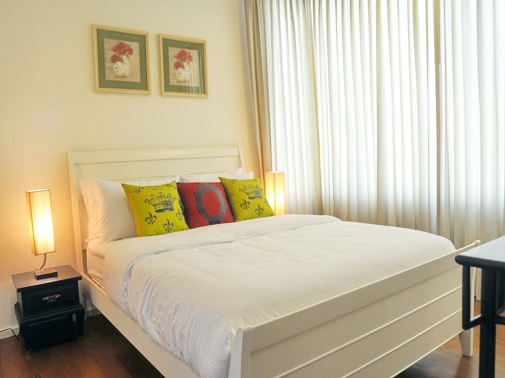 3 Bed Condo, Sukhumvit, Nana to Asoke, High Floor Corner Unit